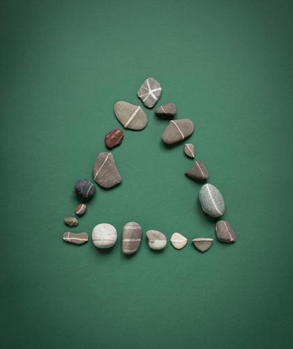 Triangle Erholung ruhig Umwelt Religion & Glaube Gesundheit Stein Linie Felsen Zufriedenheit Erde Urelemente Dach Wellness Ziel Wohlgefühl Pfeil