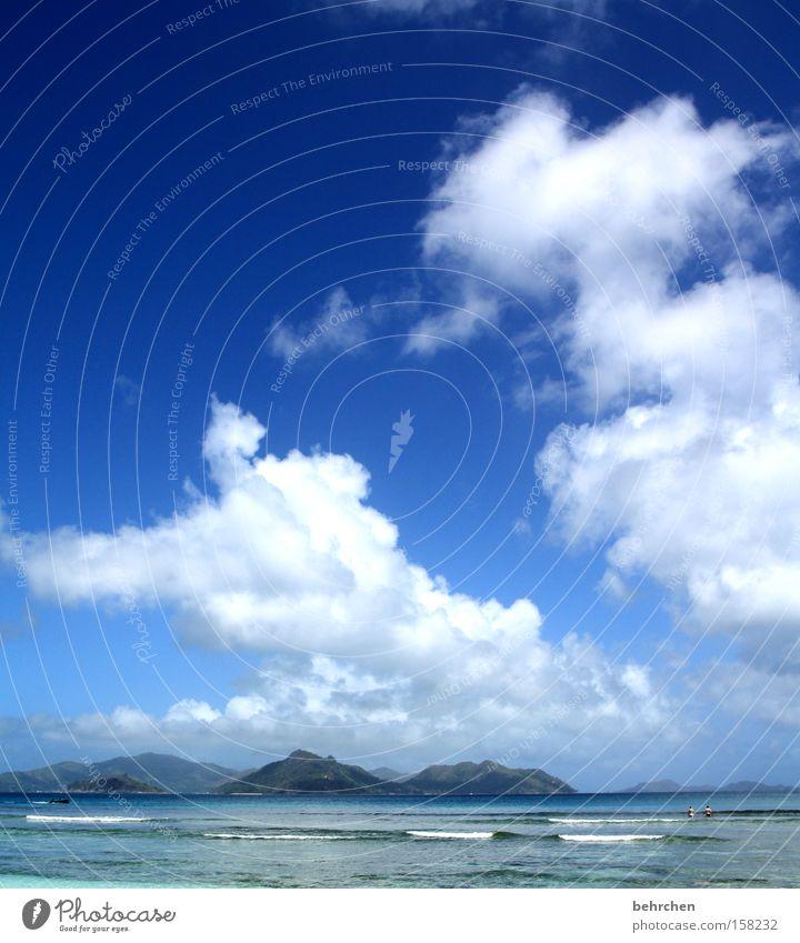 sommer, palmen, sonnenschein... Seychellen Trauminsel Wolken Himmel Meer Wellen blau Fernweh träumen genießen Flitterwochen Berge u. Gebirge Strand Küste