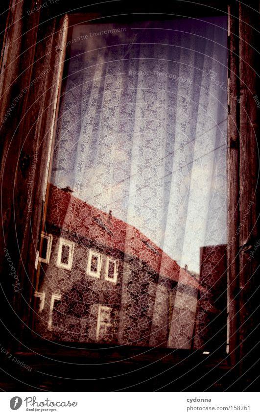 Nachbarschaft Nostalgie Ostalgie Gardine Fenster Reflexion & Spiegelung Strommast Vergangenheit Zeit Vergänglichkeit Dorf stagnierend Romantik Falte Himmel Haus