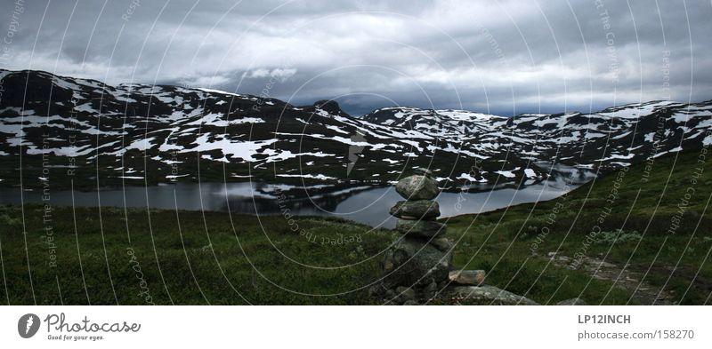 Die Hardangervidda Hochebene Norwegen Skandinavien Schnee Pyramide Aussicht Einsamkeit wandern Natur Ferien & Urlaub & Reisen beeindruckend Berge u. Gebirge