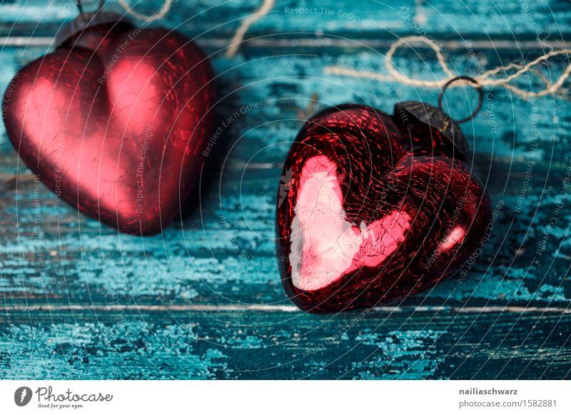 Rote Herzen Valentinstag Holz Glas Metall Liebe Zusammensein glänzend Glück schön retro blau rot Warmherzigkeit Sympathie Romantik Begierde Lust