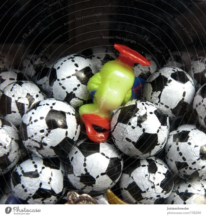 Kopfsprung Ball Fußball Kaugummi Ente Kopfstand kopfvoran Automat Kaugummiautomat Ernährung gelb Schnabel tauchen Kindheit Süßwaren Zufriedenheit Naschkram