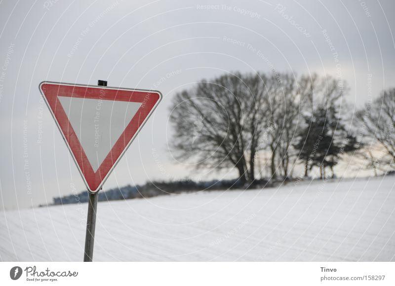 Achtung, Winter! kalt Schnee Schilder & Markierungen Natur Schneelandschaft Warnhinweis Dreieck Verkehrsschild Warnung Pampa Vorfahrt