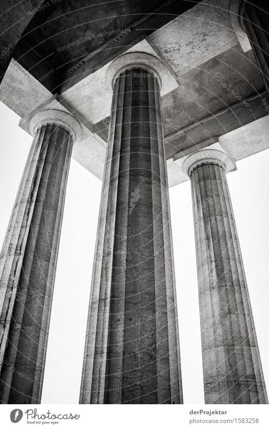 Tragende Säulen Ferien & Urlaub & Reisen Tourismus Ausflug Abenteuer Ferne Freiheit wandern Kleinstadt Kirche Bauwerk Gebäude Architektur Sehenswürdigkeit