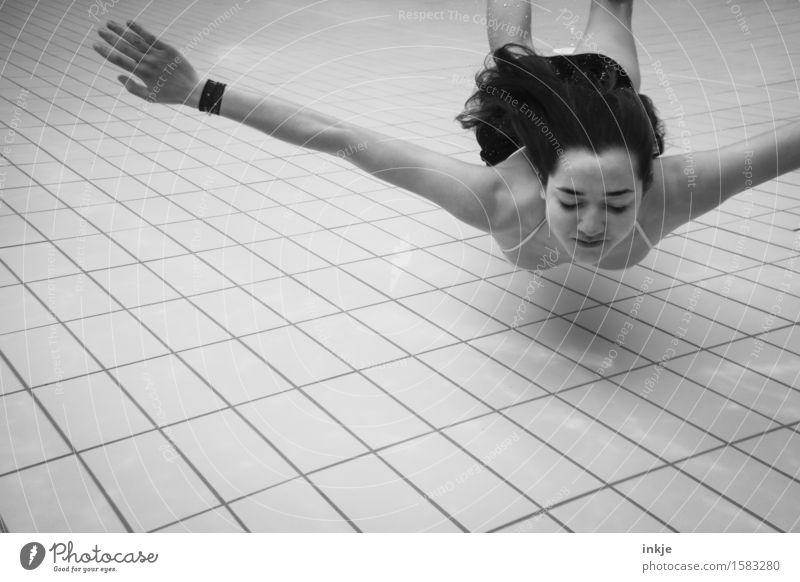 (Unter-)wasserflugzeug Lifestyle schön Körper sportlich Fitness Wellness Wohlgefühl Sinnesorgane ruhig Spa Schwimmbad Schwimmen & Baden Freizeit & Hobby Mädchen