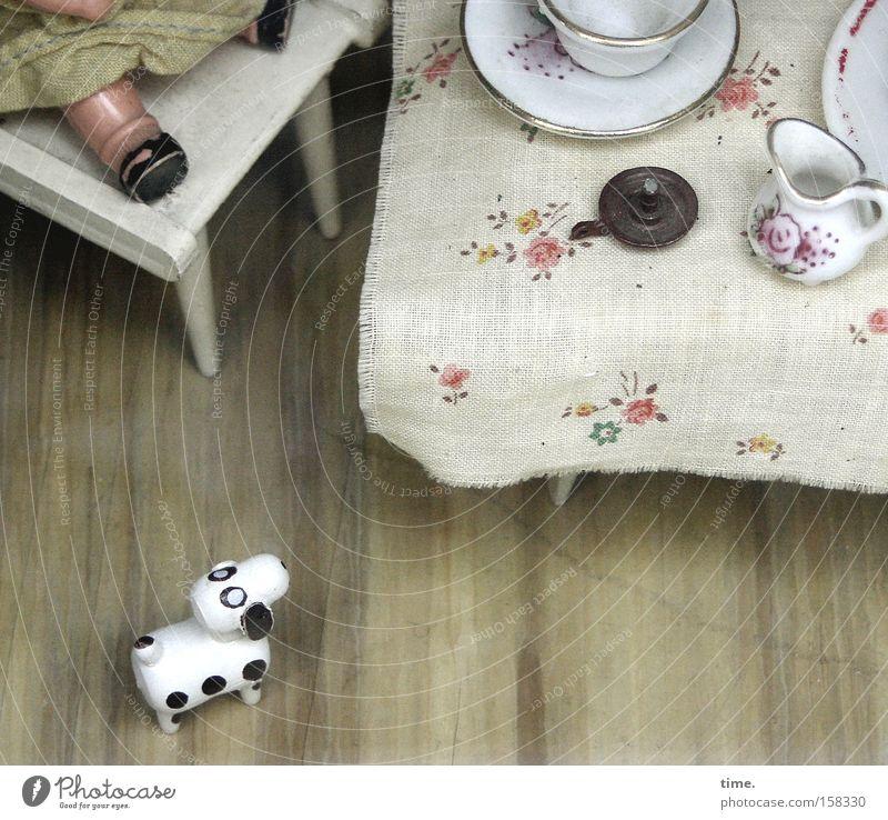 HL08 - Magic Eye alt Spielen Hund klein sitzen Tisch Kommunizieren Stuhl Spielzeug außergewöhnlich Geschirr Puppe Nostalgie Anschnitt