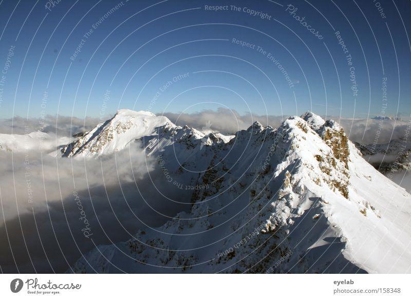 HALLO ECHO....hallo schreihals Berge u. Gebirge kalt Gipfel Allgäu Wolken Himmel weiß Stein Felsen blau Winter Schnee Eis Alpen Ferne Aussicht