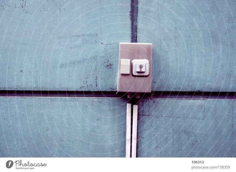 Fotonummer 113065 Industrie Kabel Kasten Schlüssel blau Farbe Wand Elektrizität Verteiler Fuge what ever Linie Quadrat Schlüsselloch Schalter Schaltkasten Figur