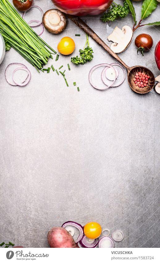 Gesundes Kochen mit frischem Gemüse und Gewürzen Natur Sommer Essen Foodfotografie Stil Hintergrundbild Lifestyle Lebensmittel Design Ernährung Kochen & Garen & Backen Kräuter & Gewürze Gemüse Bioprodukte Vegetarische Ernährung Diät