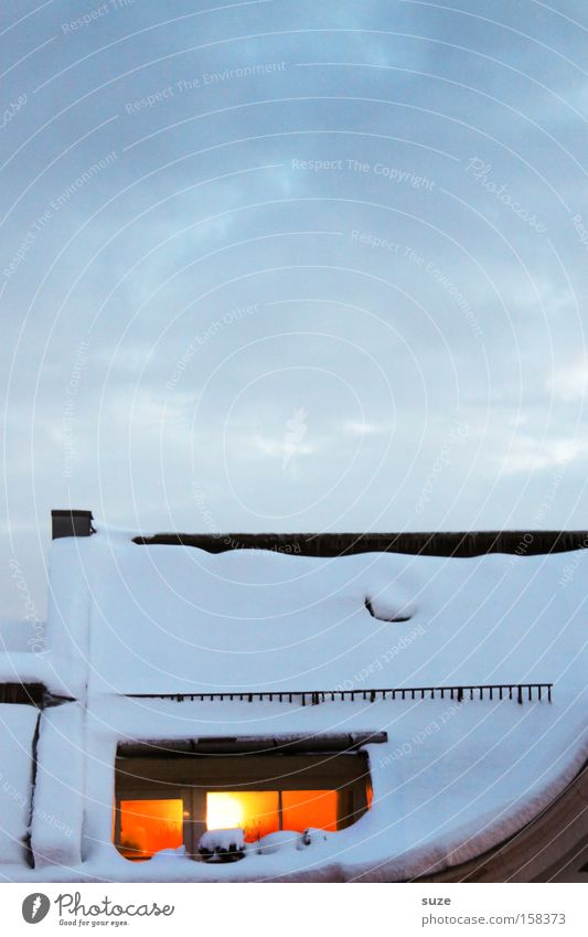 Kaminzimmer Himmel Wolken Haus Winter Fenster kalt Umwelt natürlich Schnee Wohnung Luft Häusliches Leben authentisch Klima Romantik Urelemente