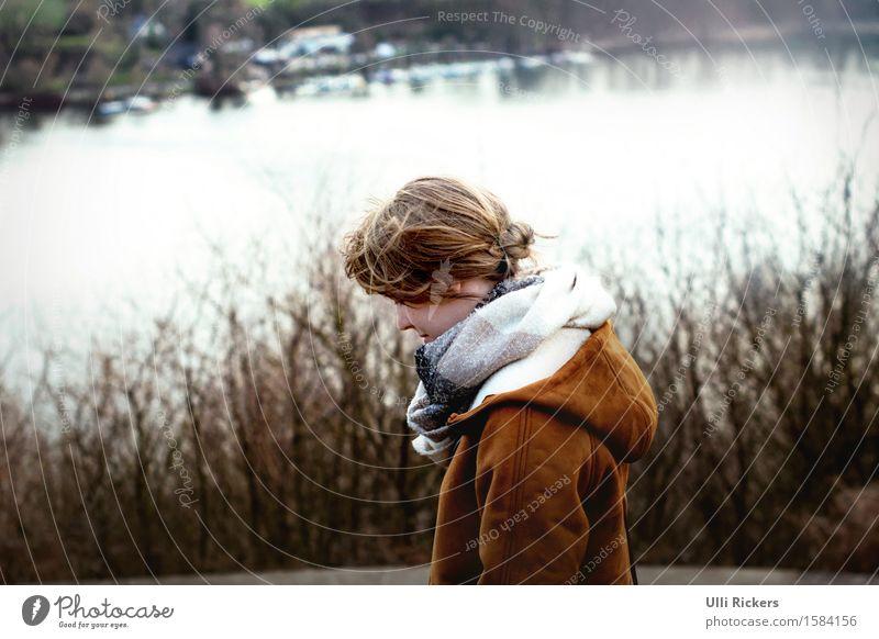 Nina Mensch Natur Jugendliche Junge Frau Wasser Erholung Landschaft Ferne Winter 18-30 Jahre Wald Erwachsene Umwelt gelb Frühling feminin
