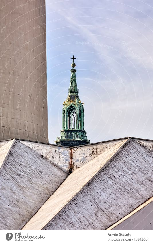 Alexanderplatz Himmel Ferien & Urlaub & Reisen Stadt alt Ferne Architektur Religion & Glaube außergewöhnlich Stimmung Tourismus Kirche Beton Kraft