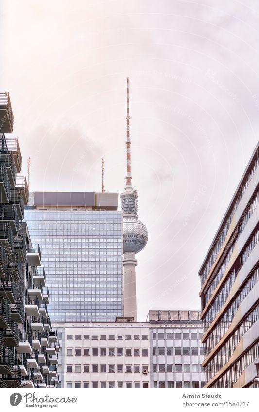 Versteckt Wolken Haus Ferne Winter Fenster Architektur Herbst Berlin Gebäude modern Hochhaus Glas Turm neu Bauwerk Wahrzeichen