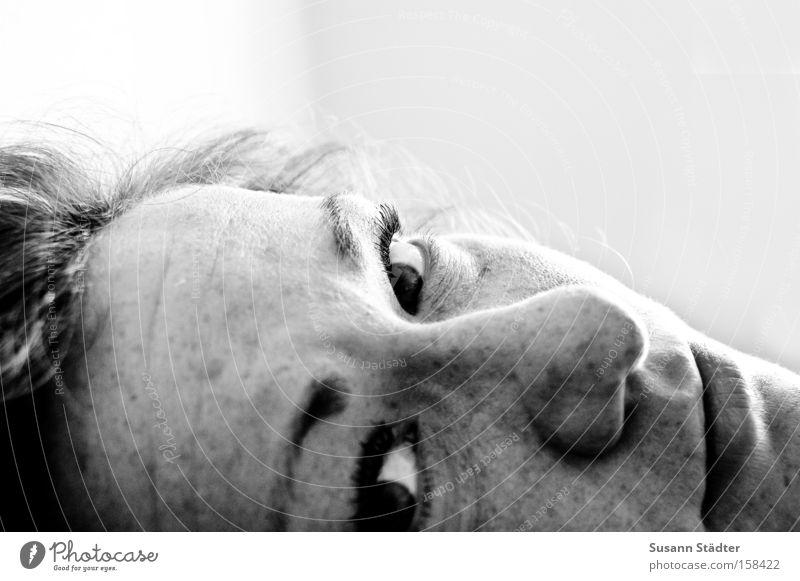 ich Blick Auge schwarz weiß Sommersprossen Nase Mund Erwartung Haare & Frisuren Stirn Suse PhotoSuse runzeln