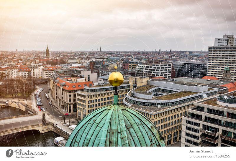Berliner Dom Ferien & Urlaub & Reisen Stadt alt Wolken Haus Ferne Religion & Glaube Zeit Stimmung Horizont Tourismus Kirche Platz Gold Baustelle Ewigkeit