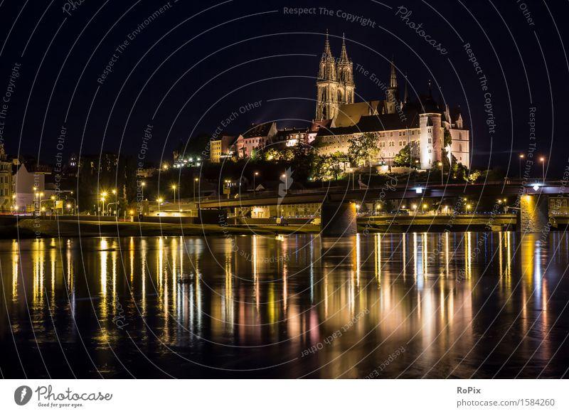 Albrechtsburg in Meissen Tourismus Sightseeing Städtereise Architektur Kultur Umwelt Landschaft Wasser Nachthimmel Flussufer Sachsen Elbe Stadt Stadtzentrum