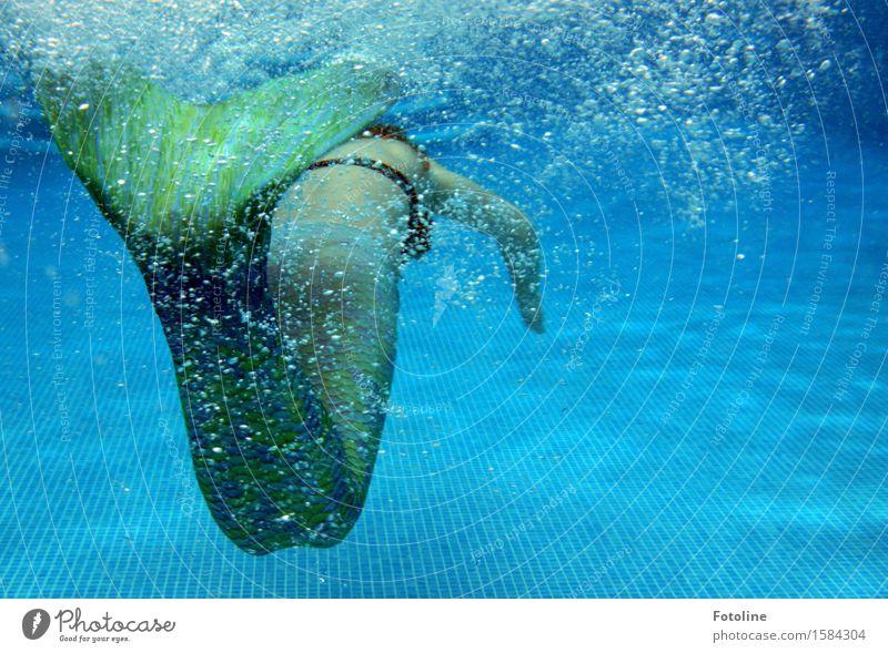 davonschwimmen Mensch feminin Mädchen Junge Frau Jugendliche Kindheit 1 Urelemente Wasser Sommer frei nah nass blau grün Meerjungfrau tauchen Schwimmen & Baden