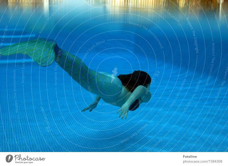 zwischen den Welten Mensch feminin Junge Frau Jugendliche Haare & Frisuren Arme Hand Finger 1 Wasser Sommer Schönes Wetter maritim nass blau grün Meerjungfrau