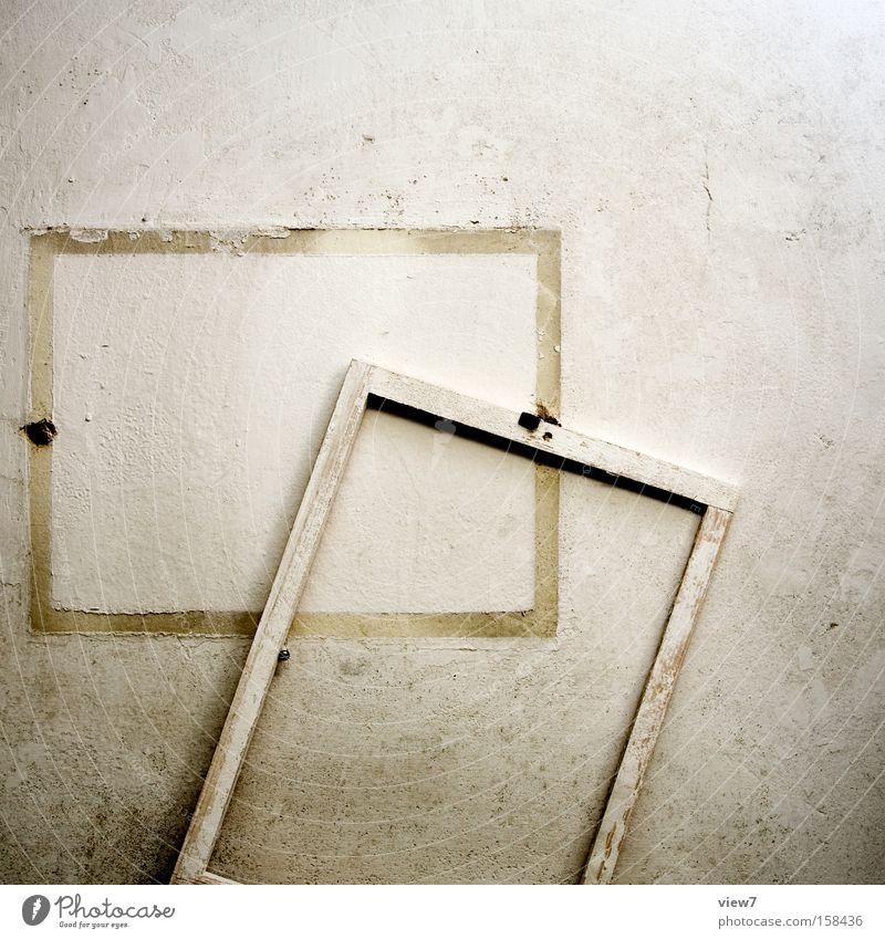 aus dem Rahmen fallen weiß ruhig Farbe Wand Farbstoff kaputt Bild Zeichen verfallen obskur Verfall Hinweisschild Putz Lack gestikulieren