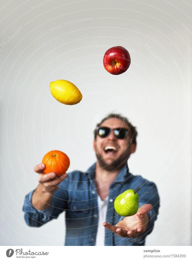Fresh Fruits Mensch Mann Sommer Gesunde Ernährung Freude Erwachsene Leben Sport Gesundheit Glück Lebensmittel Frucht maskulin Zufriedenheit Orange