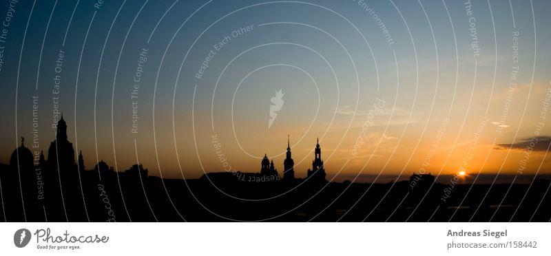 Sommer in der Stadt Dresden Silhouette historisch Sonne Himmel Sonnenuntergang blau gelb orange schwarz Altstadt Panorama (Aussicht) groß Panorama (Bildformat)