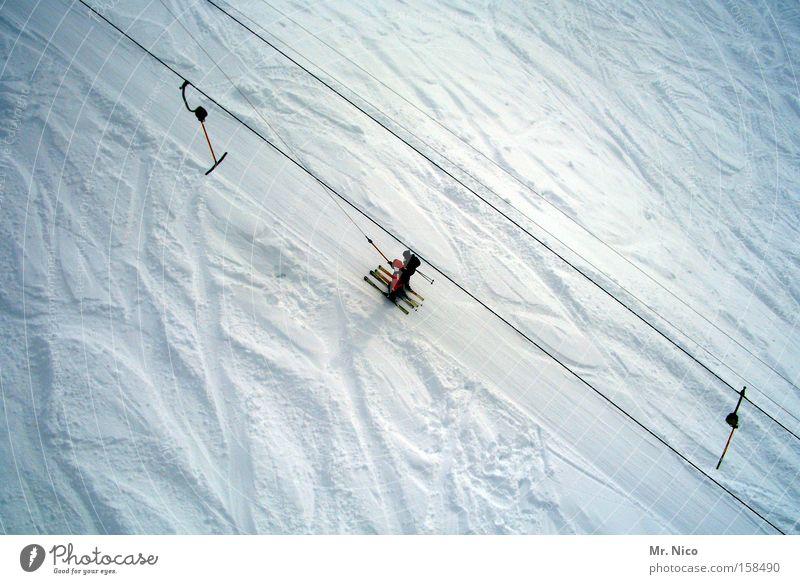 liften Winter Wintersport weiß Spuren aufwärts alpin Berge u. Gebirge Skipiste Winterurlaub Skilift schlepplift Schnee Skifahren
