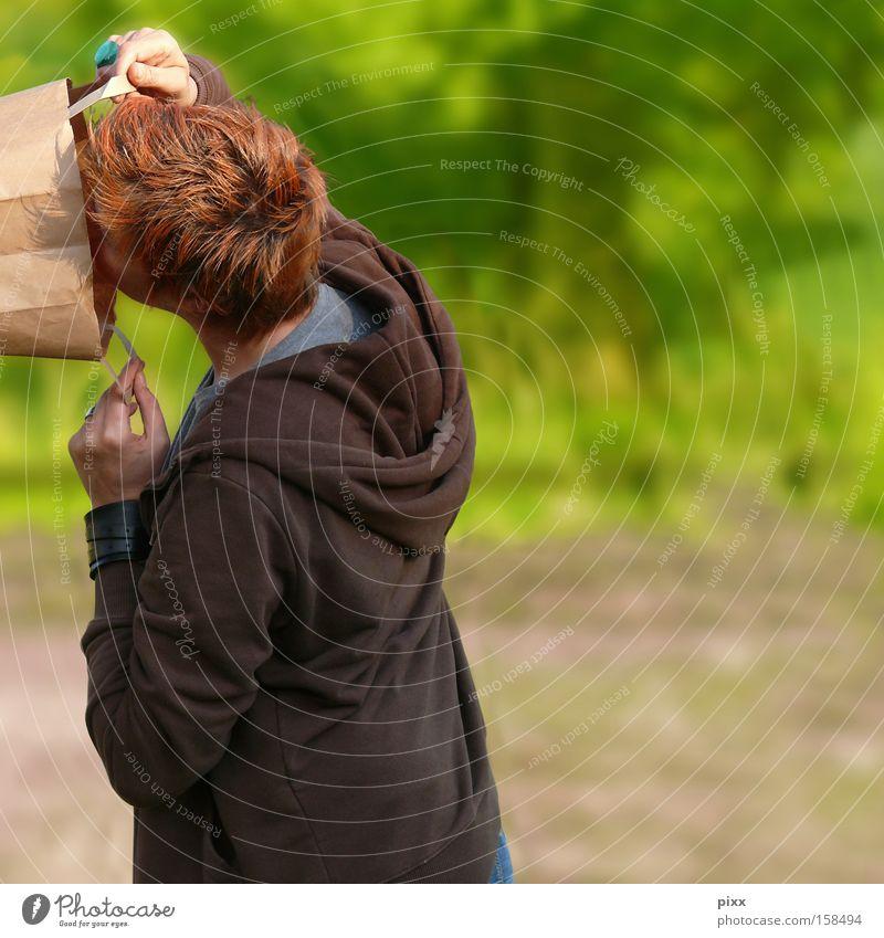 Wundertüte Frau Sommer leer Papier Suche Kommunizieren Wunsch verloren Tasche Rauschmittel Beutel staunen spurlos