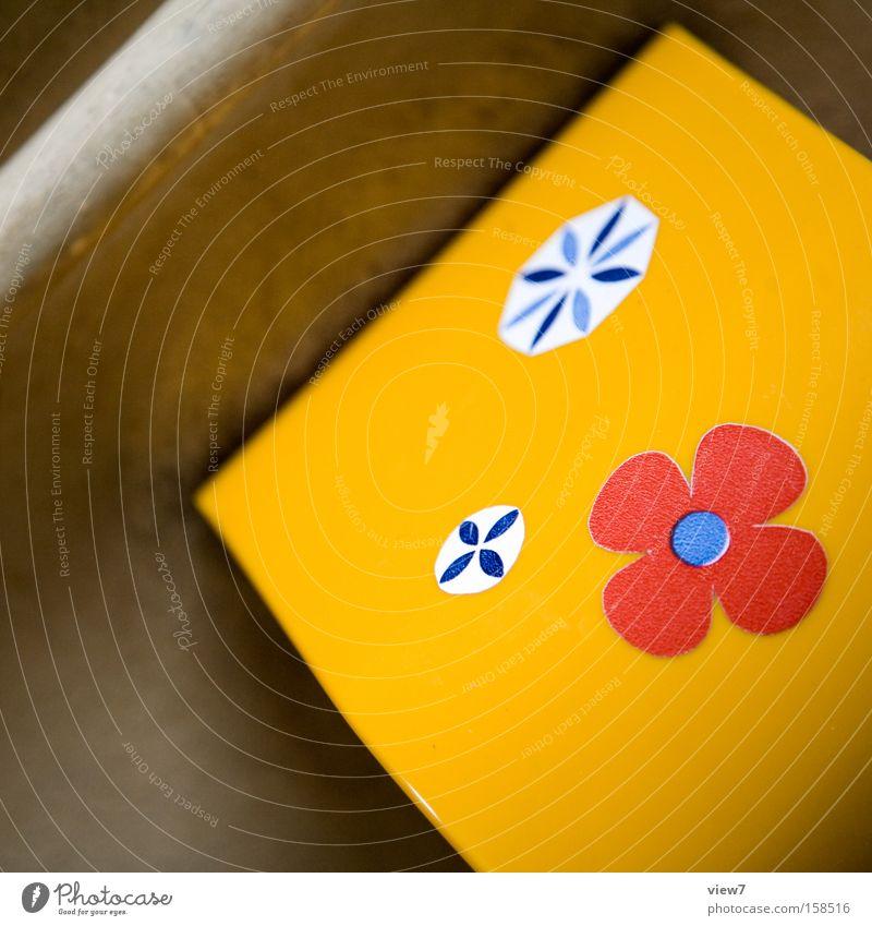 Gestaltung schön Blume gelb Ordnung Bad Dorf Toilette Toilette Kasten Grafik u. Illustration Neonlicht Haushalt Anschnitt Toilettenpapier Spender