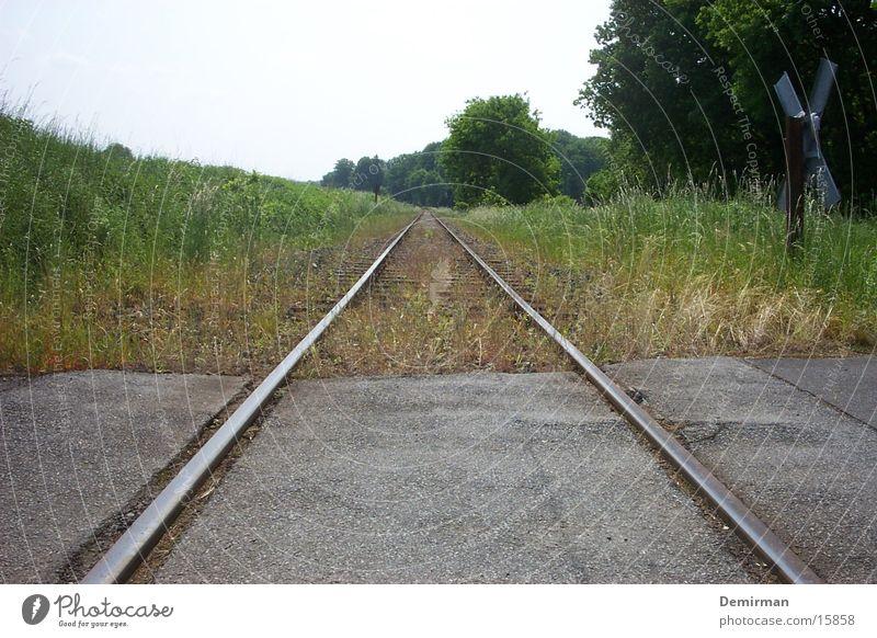 2gleisig Gleise Mitte Verkehr Doppelbelichtung