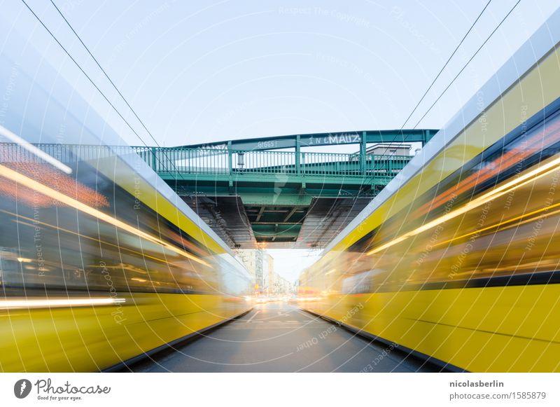 Rushhour Ferien & Urlaub & Reisen Stadt Straße Wege & Pfade Bewegung Tourismus Verkehr Erfolg Geschwindigkeit Brücke Güterverkehr & Logistik fahren rennen