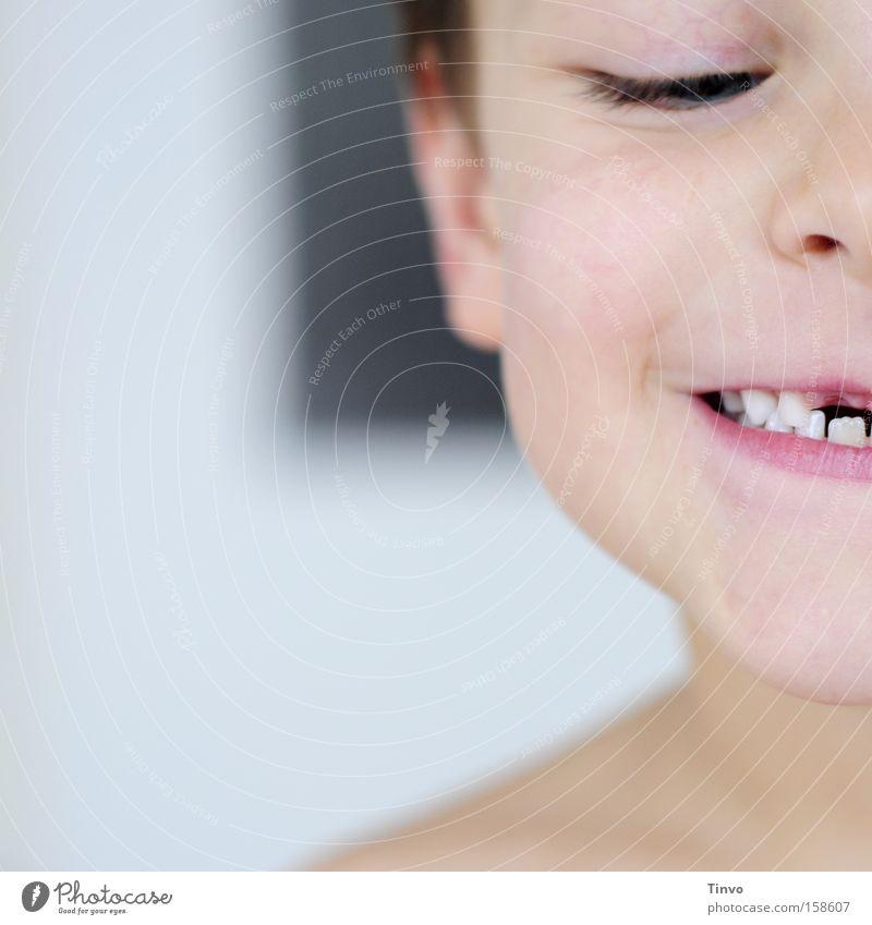 Mut zur Lücke Kind Freude Gesicht lachen leer Fröhlichkeit Wachstum Zähne Erinnerung Lücke Zahnlücke Wackelzahn