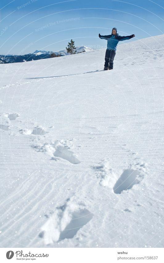 fliegen lernen Schnee Winter Wintersport Spuren Leichtigkeit Österreich Bundesland Steiermark loslassen genießen Erholung Luftverkehr Blauer Himmel