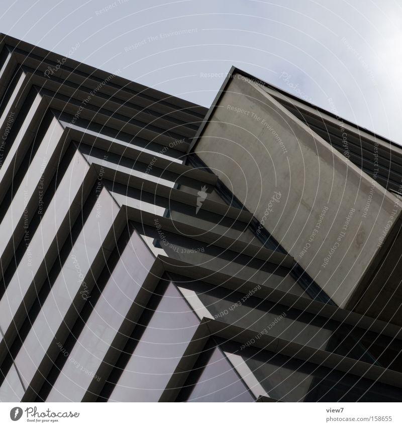 Glaskasten Himmel Architektur Gebäude Glas Beton modern Zukunft Etage bedecken Anschnitt bedeckt