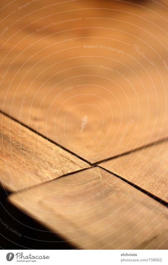 Gekreuzt Holz braun Tisch Möbel Kreuz Teilung Wohnzimmer Tiefenschärfe Oberfläche fokussieren Asymmetrie