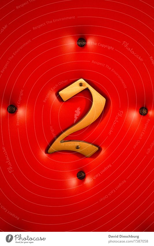 two Ferien & Urlaub & Reisen Tourismus Sightseeing Städtereise Dienstleistungsgewerbe Zeichen Ziffern & Zahlen gelb gold grau rot schwarz Bordell Zuhälter