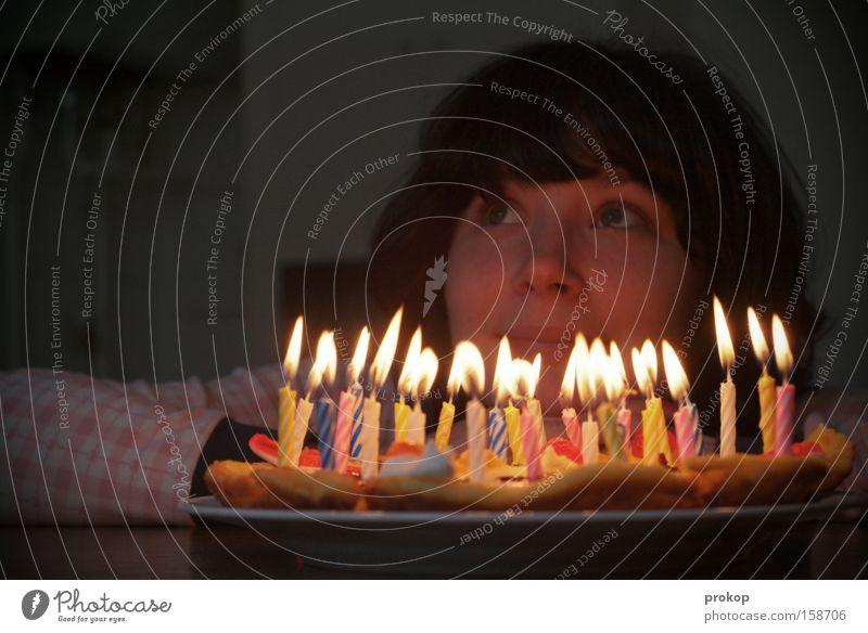 Geburtstag Feste & Feiern Torte Freude Wunsch Kerze Frau Pfannkuchen Party Jubiläum attraktiv schön Hoffnung Jugendliche Partygast