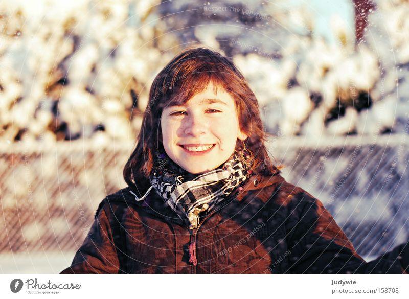 Schnee macht glücklich ! Kind Jugendliche Mädchen Freude Winter kalt Glück lachen klein Fröhlichkeit Lebensfreude