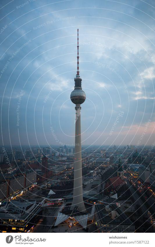 May the night begin Lifestyle Ferien & Urlaub & Reisen Tourismus Sightseeing Städtereise Nachtleben ausgehen Himmel Gewitterwolken Berlin Deutschland Stadt