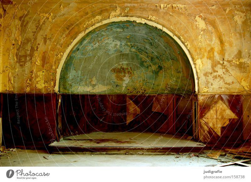 Heilstätte alt Einsamkeit Farbe Wand Farbstoff rund verfallen Bühne schäbig Putz Heilstätte Sanatorium Wandtäfelung