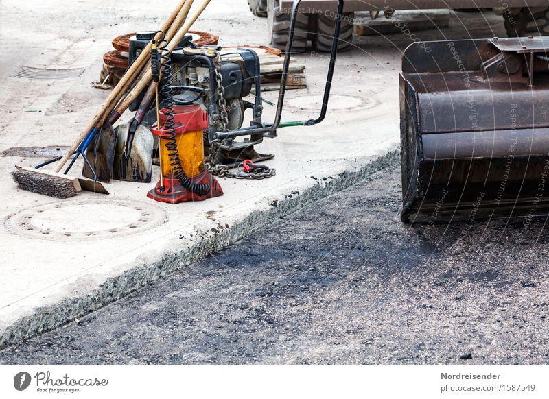 Straßenbau Arbeit & Erwerbstätigkeit Beruf Baustelle Güterverkehr & Logistik Dienstleistungsgewerbe Handwerk Mittelstand Feierabend Werkzeug Besen Schaufel