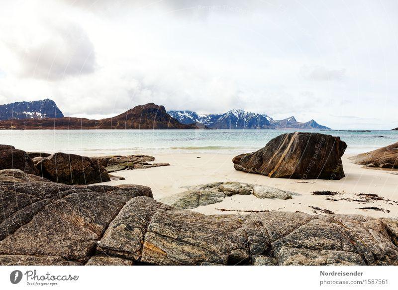 Lofoten Ferien & Urlaub & Reisen Meer Natur Landschaft Urelemente Sand Wasser Himmel Wolken Sommer Regen Felsen Berge u. Gebirge Küste Strand Bucht Fjord Stein