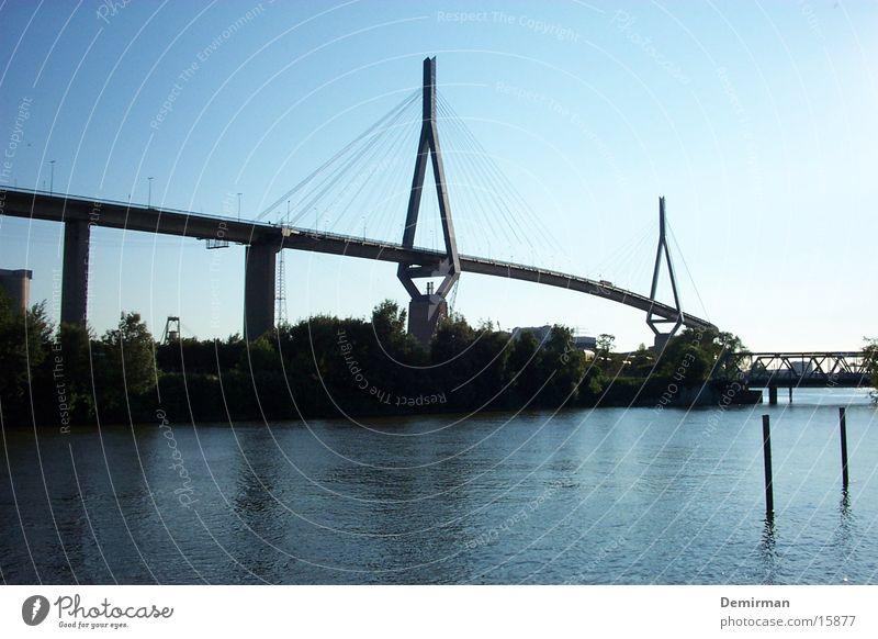 köhlbrandbrücke Wasser Himmel blau Hamburg Verkehr Brücke Hafen Elbe Verkehrsstau Köhlbrandbrücke