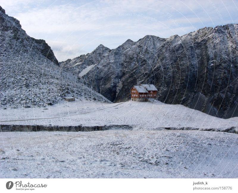 auf der hütten... Österreich Osttirol Hütte wandern Schnee Rucksack weiß blau Berge u. Gebirge Lager Morgen Haus Winter Bergsteigen Alpenverein schlafen