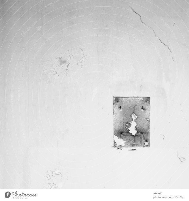 view alt Einsamkeit Wand Mauer gehen Hintergrundbild Spuren Spiegel Zeichen verfallen Hinweisschild schäbig Putz Demontage rückwärts vergessen