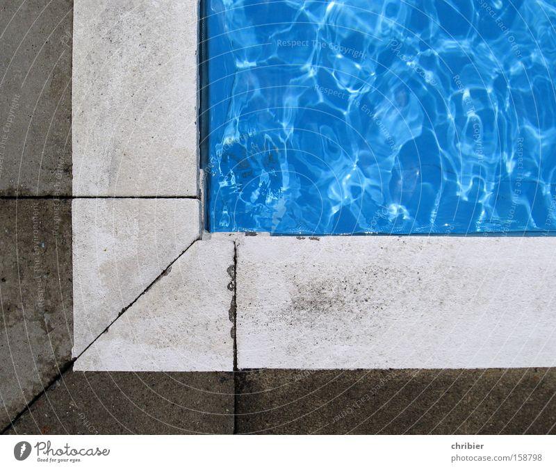Ich trau mich nicht! Wasser blau Sommer Freude springen Angst glänzend nass Fisch Schwimmbad Freizeit & Hobby Mut spritzen kühlen Seepferdchen Beckenrand
