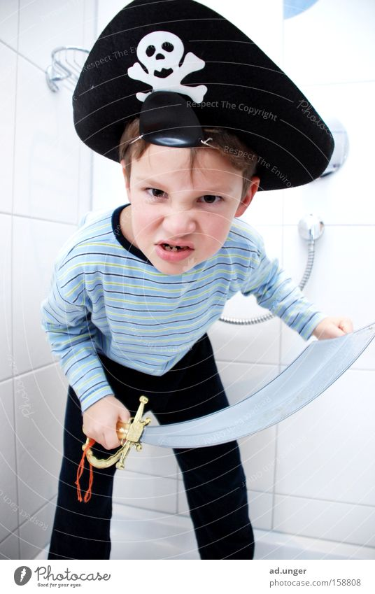 Arrrrrr, Gold in Sicht! Pirat Schwert Kind Seemann Schlafanzug Karneval Augenklappe Zahnlücke 6 Jahre Blick Duschmann