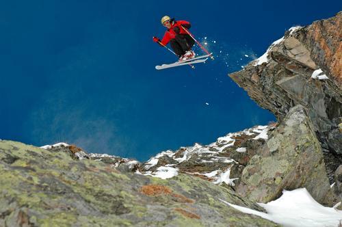 The Eagle II Schnee Berge u. Gebirge springen Luft Aktion Skifahren Sport Skier Österreich Blauer Himmel Wintersport Nervenkitzel Free-Ski