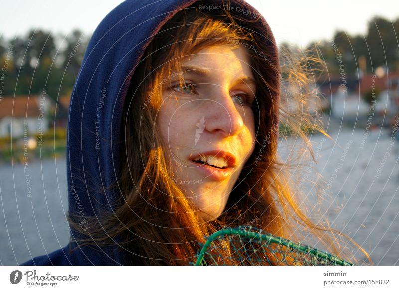 Petri Heil Porträt Fischer Angler Hafen Schweden Abend Freude Jugendliche Sonnenfänger Cacher