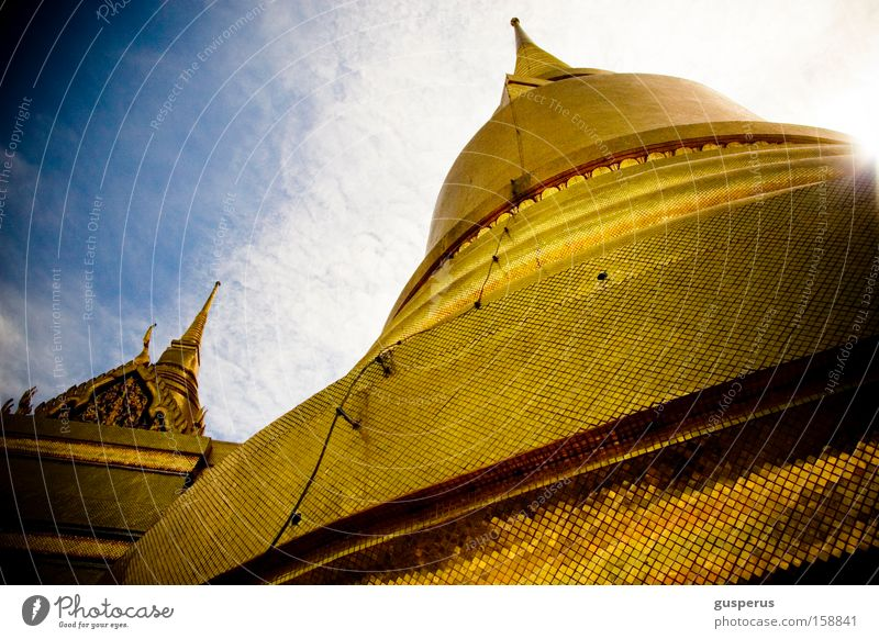 big hat gold Dach Turm Asien Hut historisch Tempel Gotteshäuser