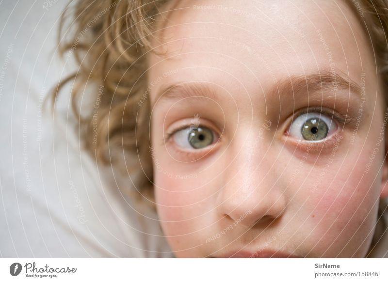 65 [silberblick] Kind Jugendliche Freude Auge lustig Junge Kommunizieren Schielen Unsinn intensiv Wahnsinn Humor Kinderaugen Silberblick
